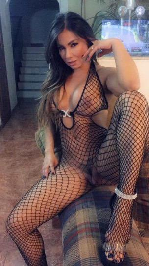 am available for both outcall and incall service Text me on SNAPCHAT marylolld2020