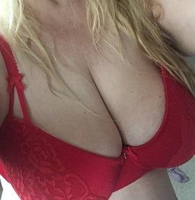 Escort 780-944-6226 Edmonton and area at your place candy