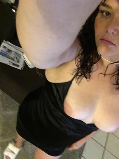 Horny Snowbunny Greek Freak Lets meet come pound my pussy And Ass🍑 - 25,602-563-1427,Phoenix,female escorts