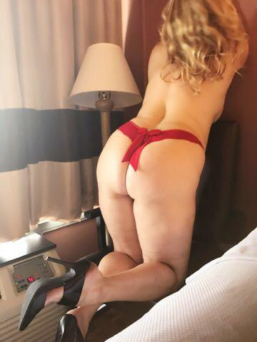 SEXY BLOND OUTCALL ONLY