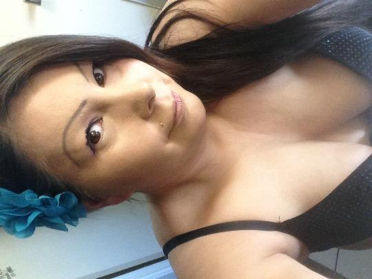 Escort 587-402-9091 CURVY HIPS AND SEXY LIPS!! max80