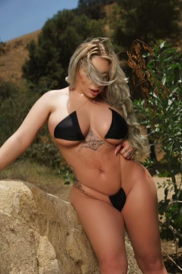 The Queen has arrived! - 23,951-293-7007,San Fernando Valley and surrounding areas,female escorts
