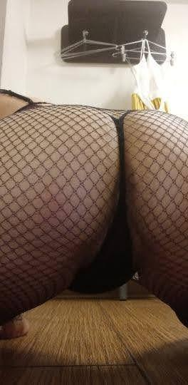 Escort 971-612-4448 I will come to you / your bed or mine? milfy