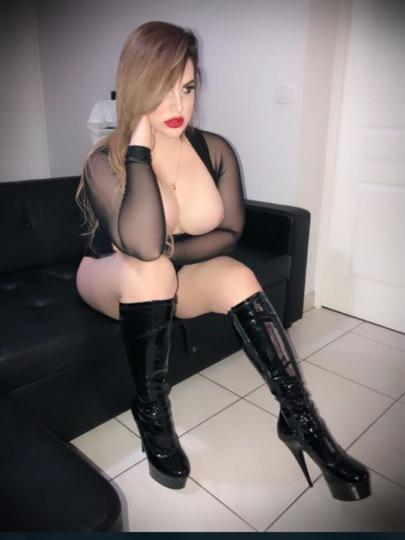Escort 323-244-1447 In Hollywood  40up