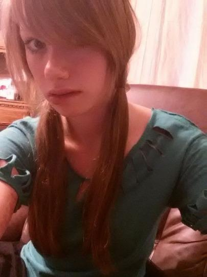 Discreet Blow Job Petite redhead available for your desires all holes ready for uses