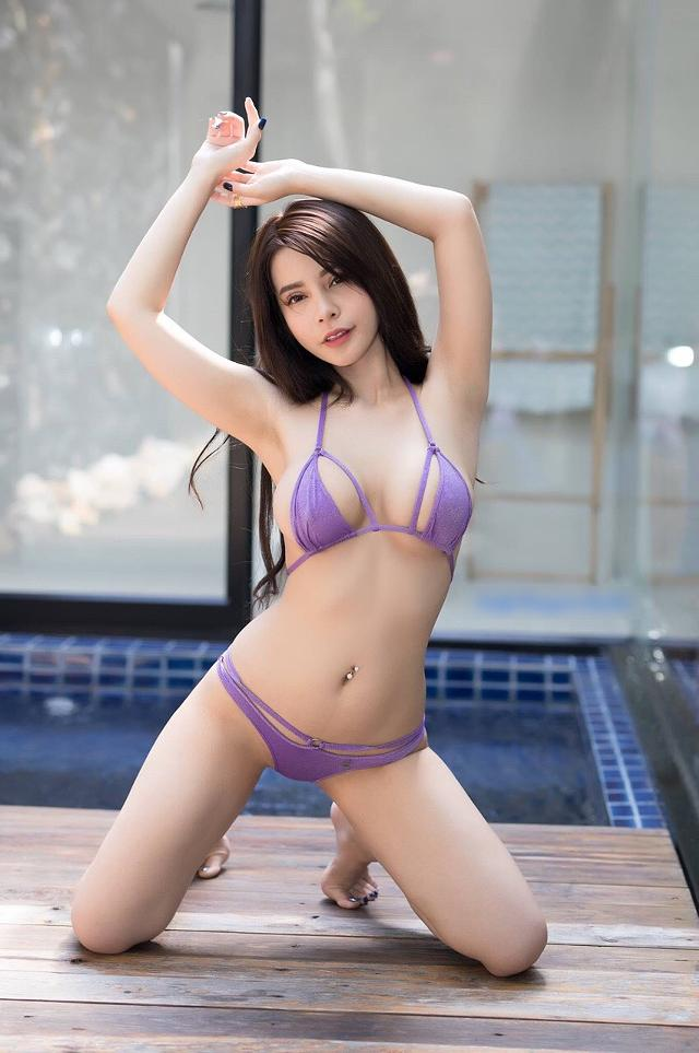 hot-busty-korean-model-nova-ass