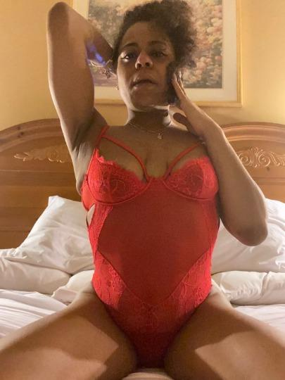 Escort 773-844-2358 Chicago East side/76th and cottage grove milfy
