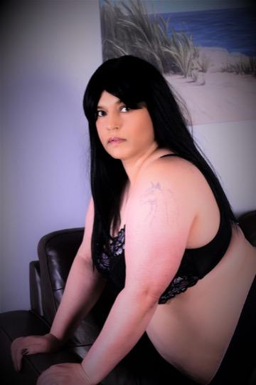 Escort 587-568-3513 South Side by Bonnie Doon  escortalligator