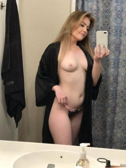 YOUNG SEXY GIRL Ready 4 Hookup OUTCALL AND INCALLS and CARDATES AVAILABLE 24 7 Safe and DISCREET - 24