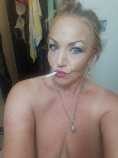 Cougar on the prowl 4 young men or any man that knows how to please