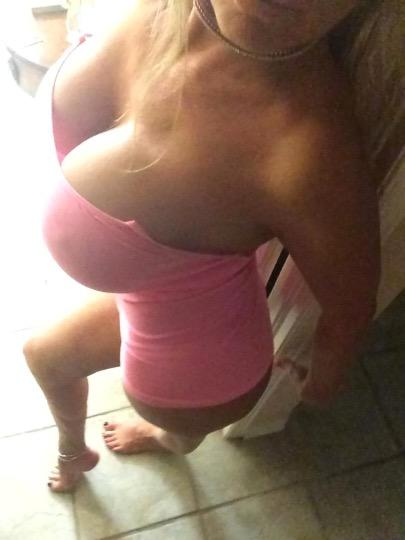 Escort 587-328-9601 Brossard  independent